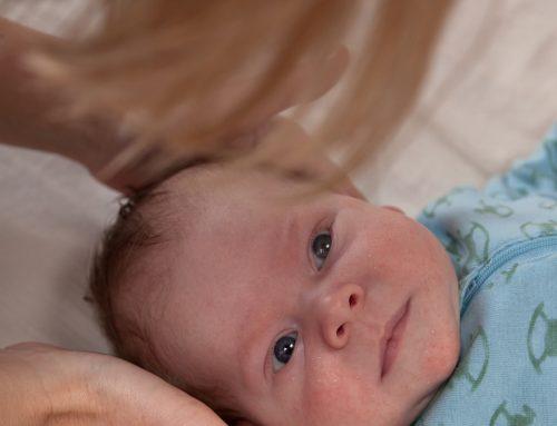 Baby har nakke-, skuldre- eller rygproblemer
