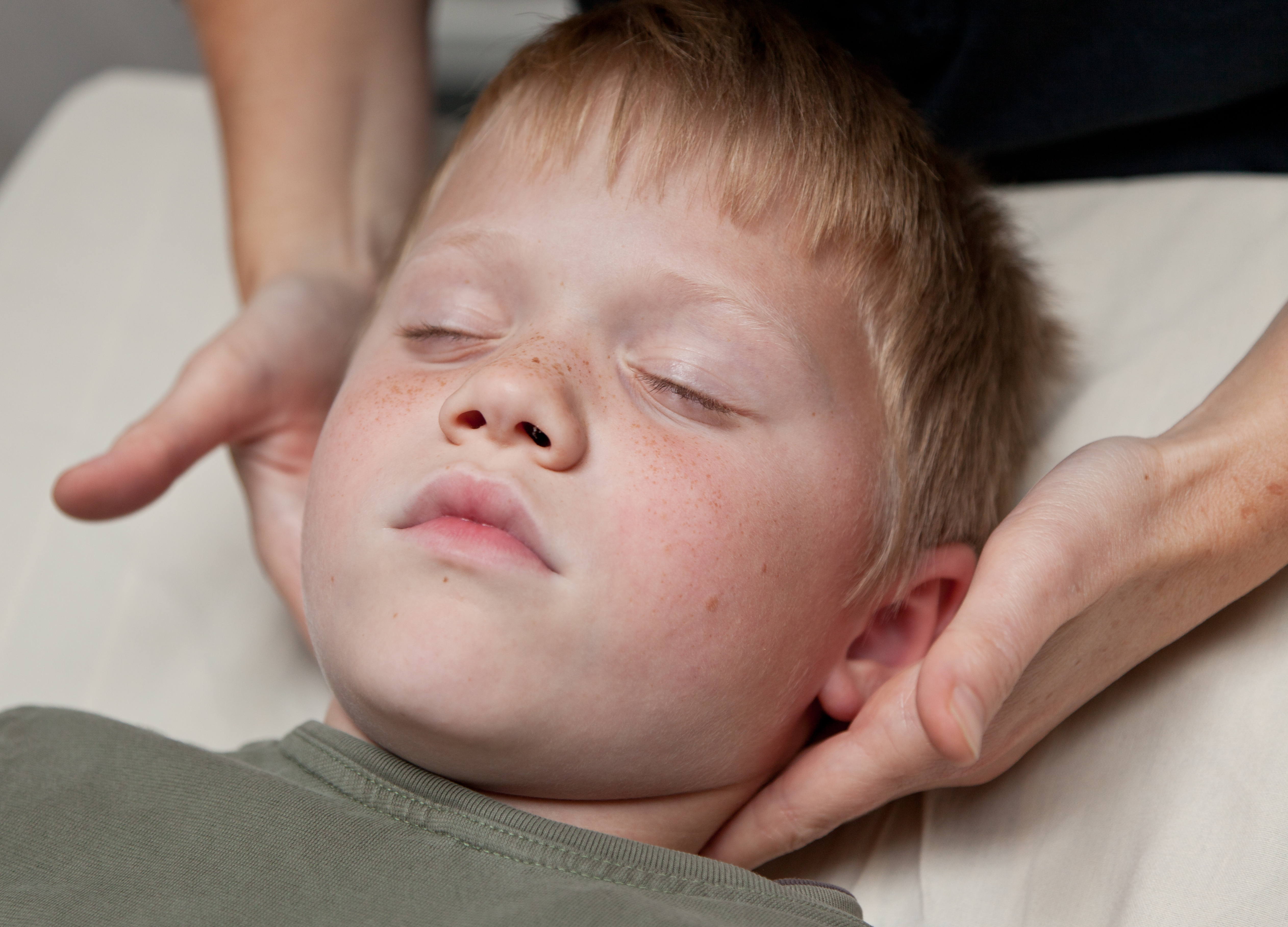 Traumer og Biodynamisk Kranio-Sakral Terapi går hånd i hånd. Barnet har brug for hjælp til at forløse → eksamineret børne terapeut LisHauge.dk